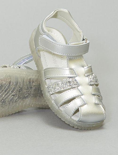 Sandalias cerradas plateadas con velcro                             plata