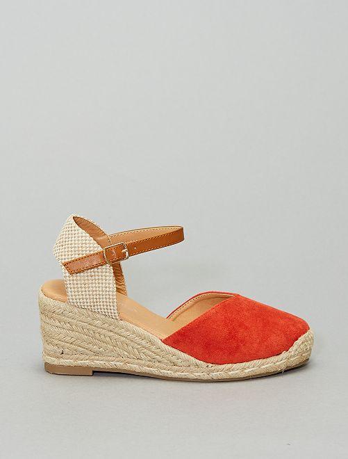 Sandalias con cuña                                                     naranja
