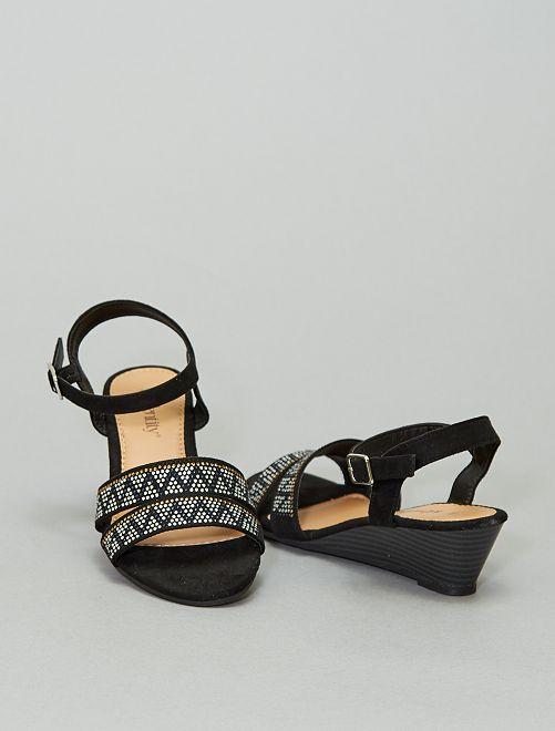 Sandalias con cuña                             negro
