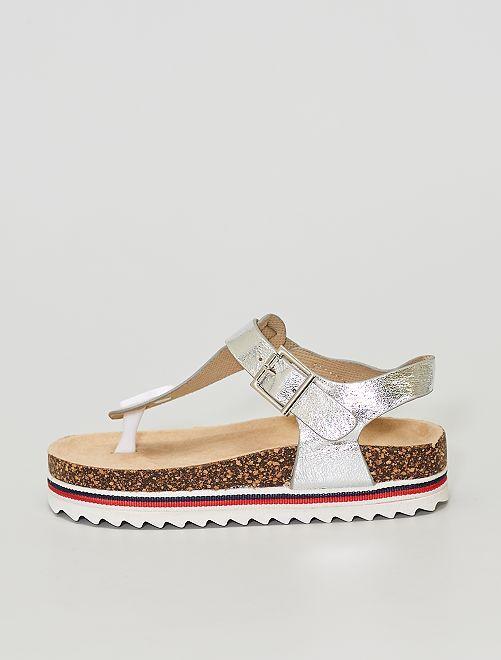 Sandalias con cuña                             plata