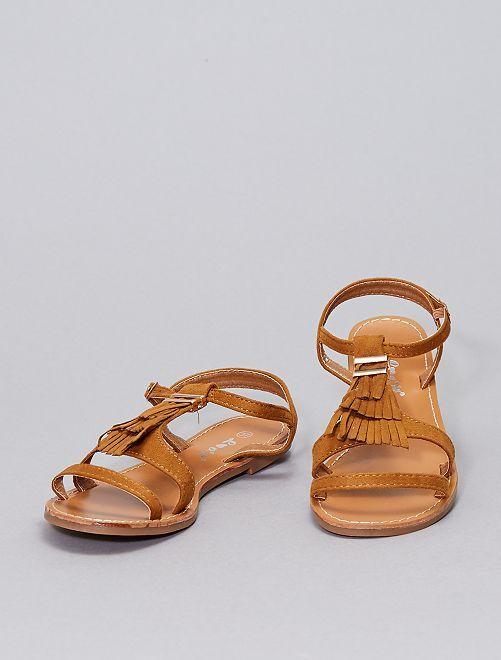 Sandalias con flecos                                                     camello