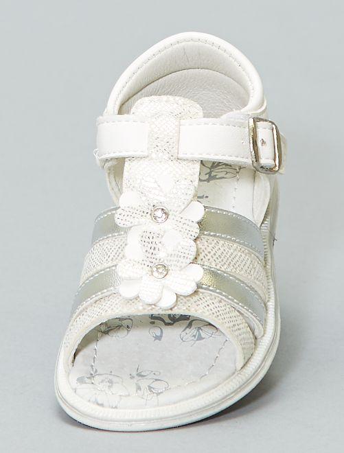 Sandalias con flores                             blanco Chica