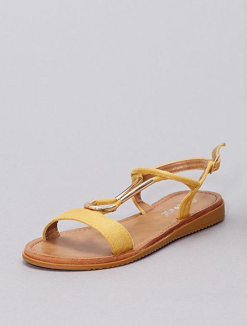 Sandalias con pedrería                                                     amarillo