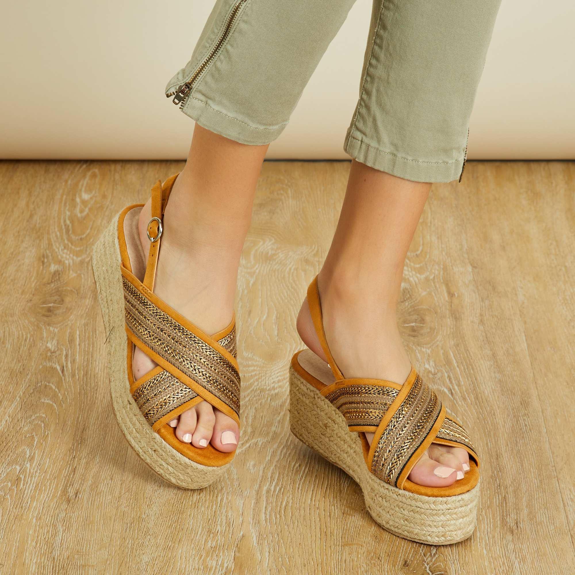 Sandalias con plataforma Mujer - camello - Kiabi - 24,00€