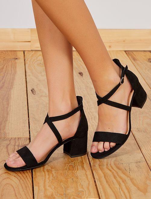 Antelina Negro Tiras Sandalias Kiabi De Con Iygb76vyf Cruzadas Zapatos Aj3q5RL4