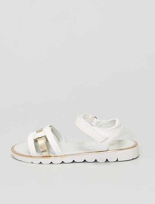 Sandalias de charol sintético                                         blanco