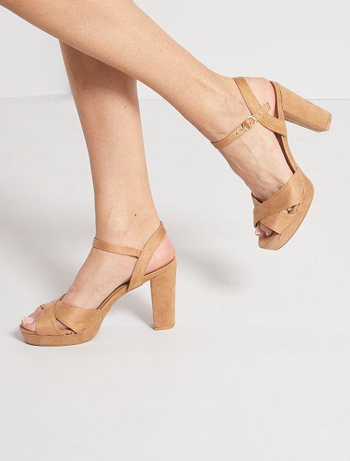 Sandalias de tacón de antelina                                         BEIGE