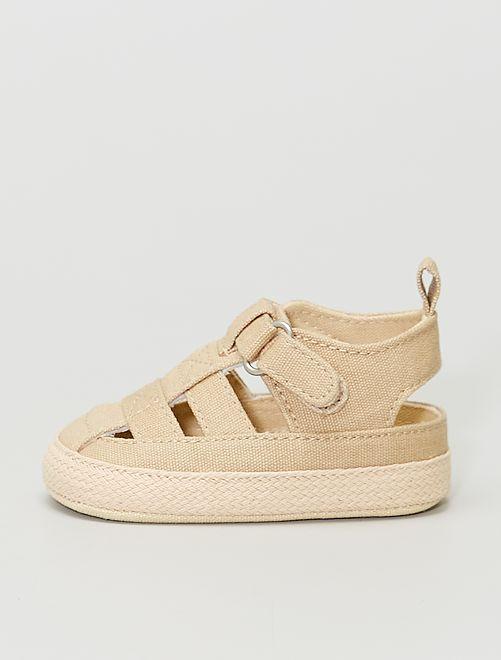Sandalias de tela con velcro                                         BEIGE