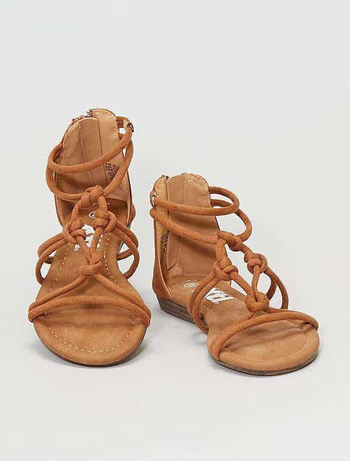 Sandalias de tiras                                         camello