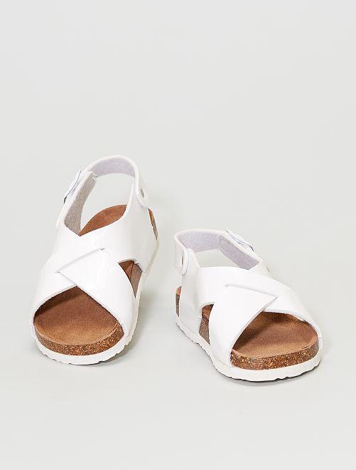 Sandalias de tiras cruzadas                                         blanco
