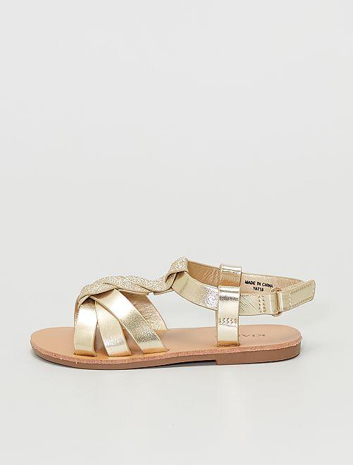 Sandalias doradas y brillantes                             oro