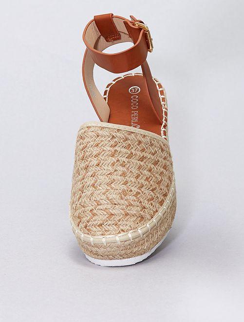 Sandalias efecto trenzado                             beige