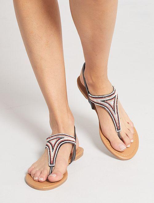 Sandalias planas con perlas                                         negro