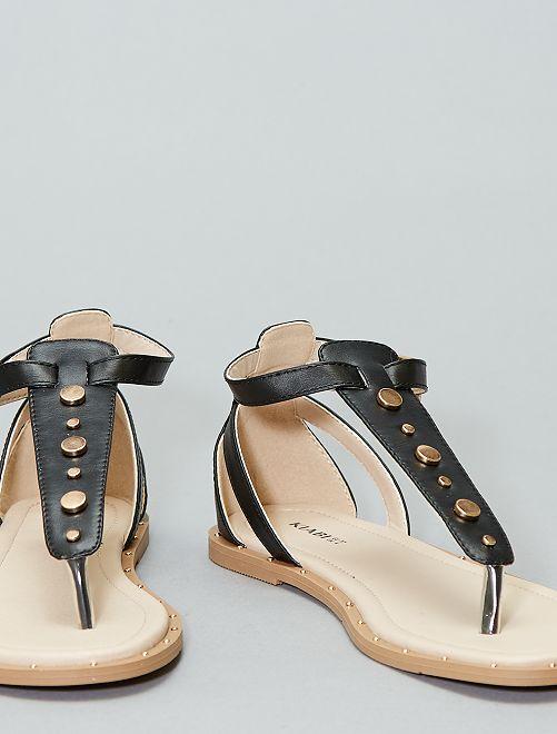 Sandalias planas con remaches                                         negro