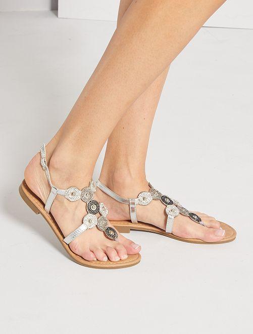 Sandalias planas con strass                             plata