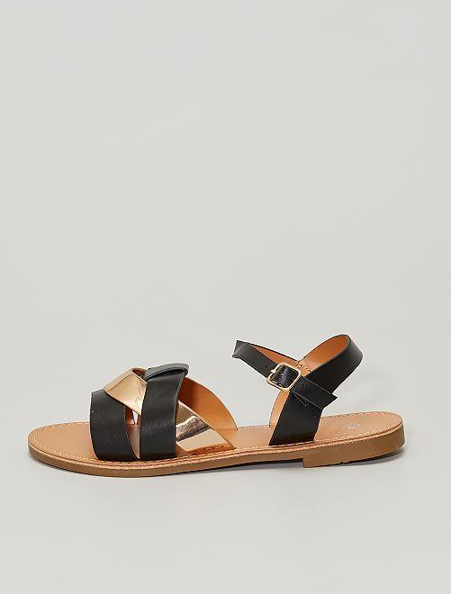 Sandalias planas con tira cobriza                             negro