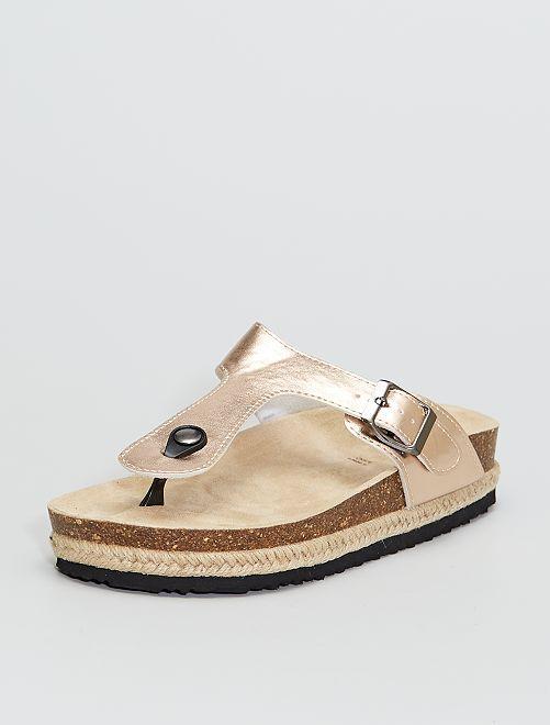 Sandalias planas de charol                             ROSA