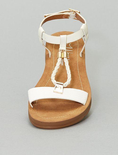 Sandalias planas sintéticas                             BEIGE