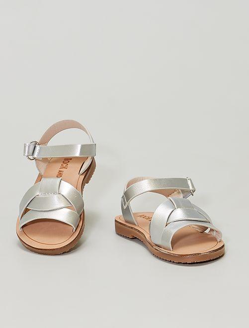 Sandalias sintéticas plateadas                             plata