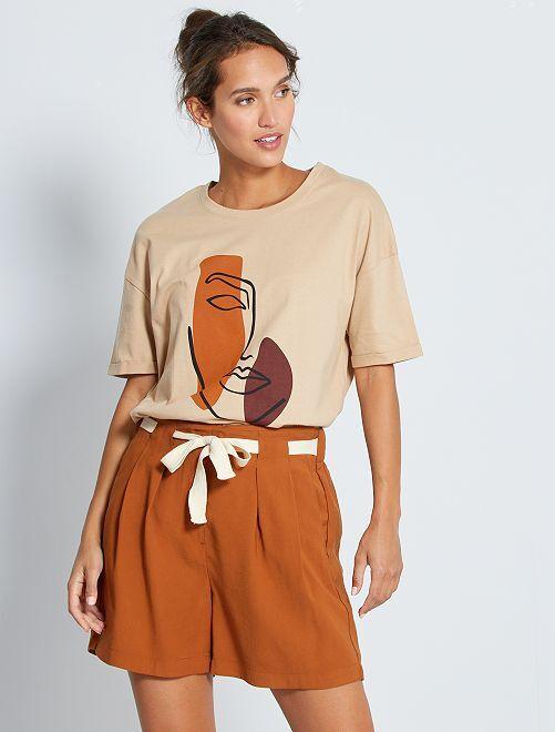 Short chino 'JDY' con cinturón                             castaño