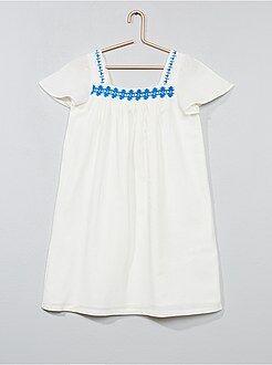 Vestidos - Vestido bordado de algodón - Kiabi