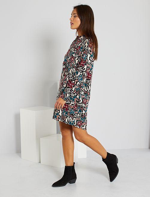 Vestido camisero con estampado de 'flores'                             NEGRO