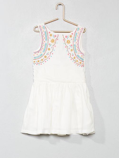 Vestido con bordados étnicos                                                     blanco Chica