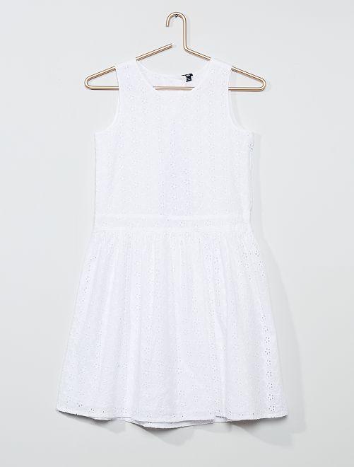 Vestido con encaje                                         blanco