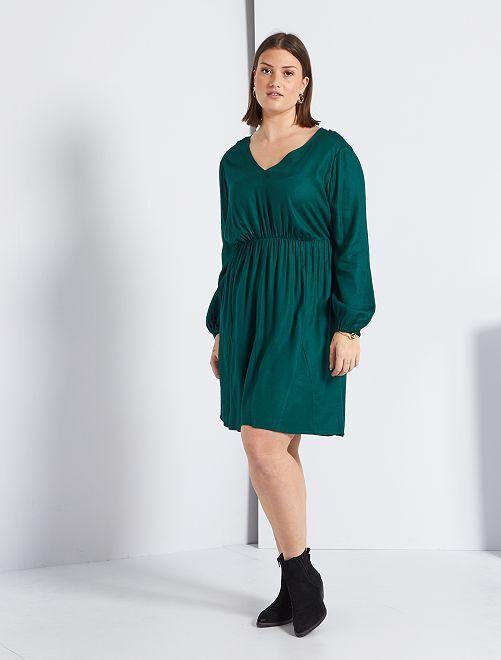 Vestido con escote de pico                                         VERDE