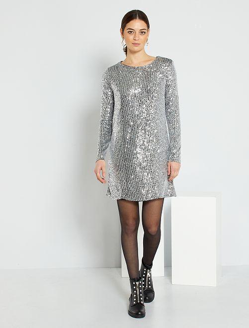 Vestido con lentejuelas                                         plata