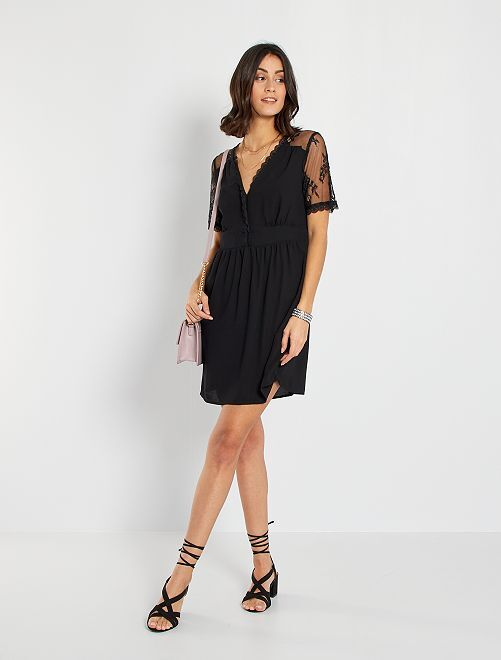 Vestido corto con detalles de encaje                             negro