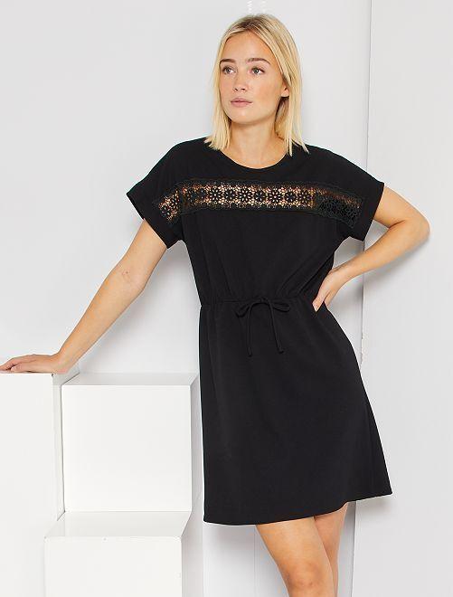 Vestido corto con encaje                             negro