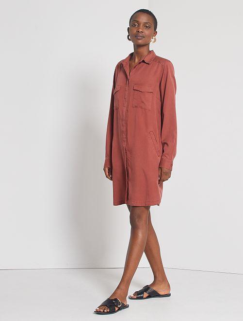 Vestido corto con forma de camisa                                                                 MARRON