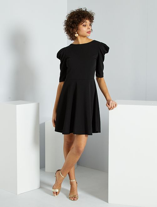 Vestido corto con manga abombada                             negro