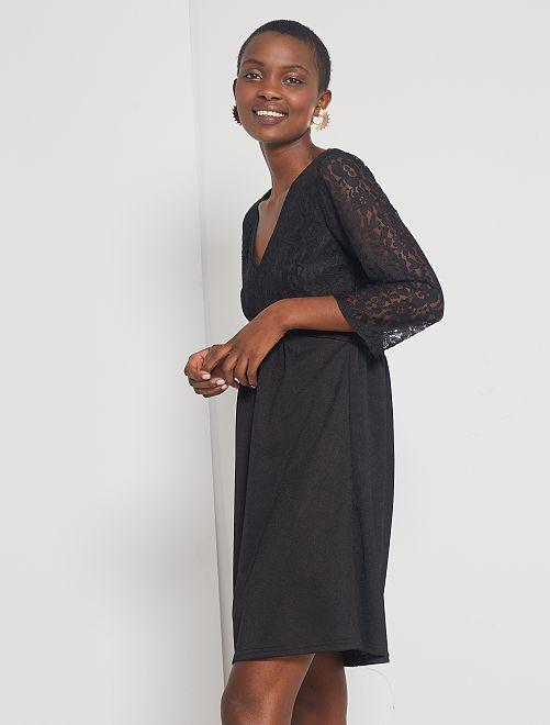 Vestido corto de encaje                             negro