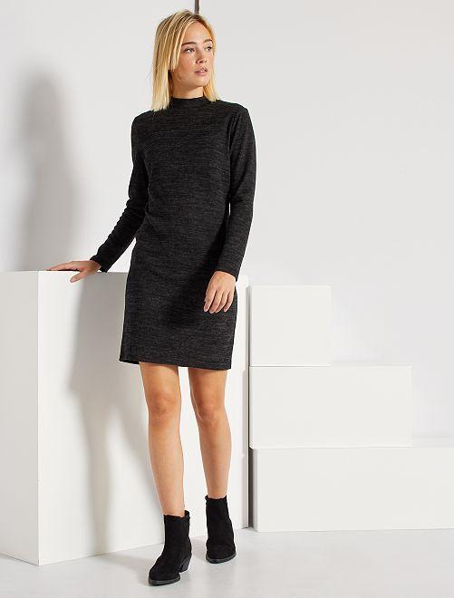 Vestido corto de punto fino                             negro