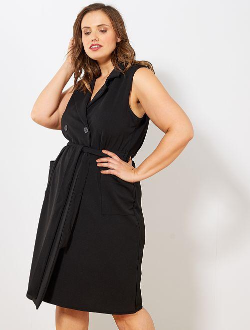 Vestido cruzado con cinturón                             negro
