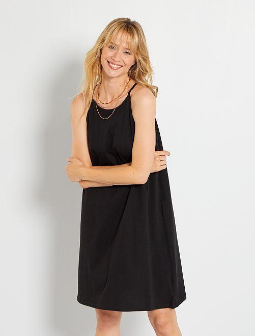 Vestido de punto con sisa americana                                                                             negro