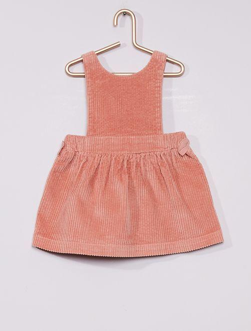 Vestido de terciopelo                                         ROSA