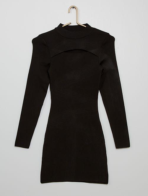 Vestido entallado con abertura                             negro