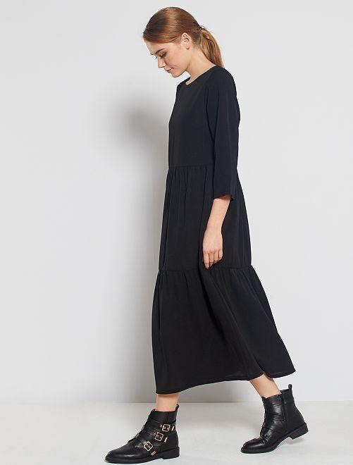 Vestido largo con volantes                             negro