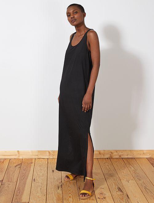 Vestido largo sin mangas                                 negro