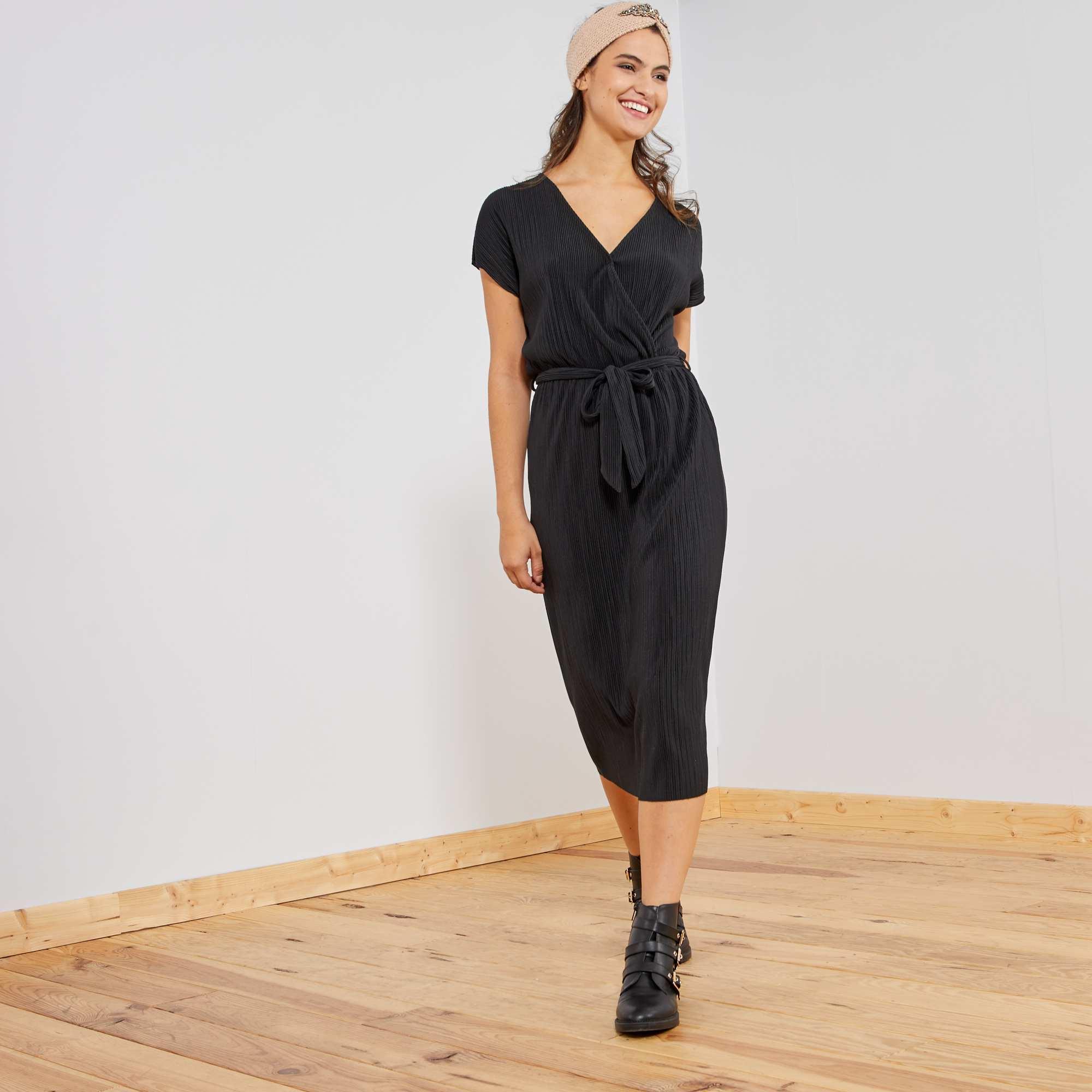 e54a0ead08 Vestido plisado con escote cruzado negro Mujer talla 34 a 48. Loading zoom