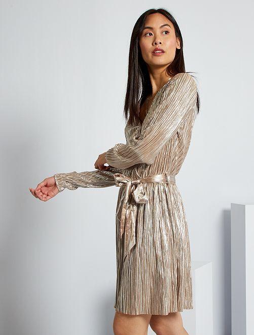 Vestido plisado metalizado                             BEIGE