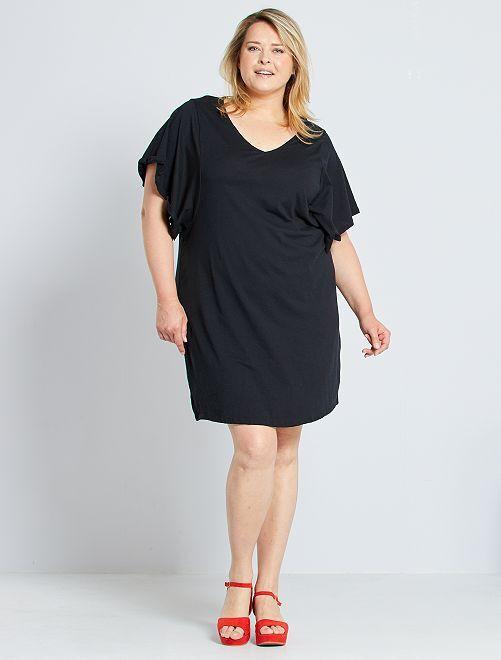 Vestido tipo camiseta                     negro