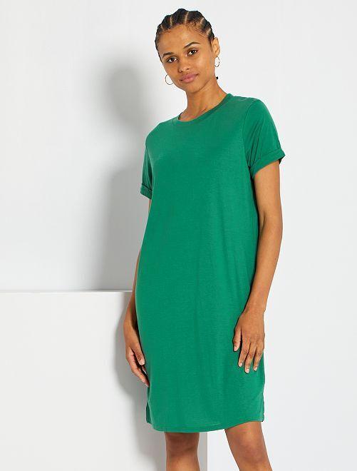 Vestido tipo camiseta vaporosa                                                                             verde pino