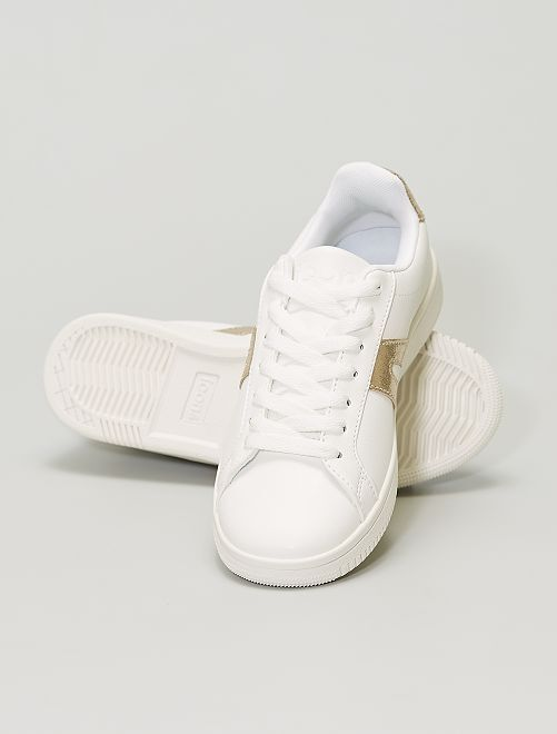 Zapatillas bajas con detalles dorados                             BLANCO