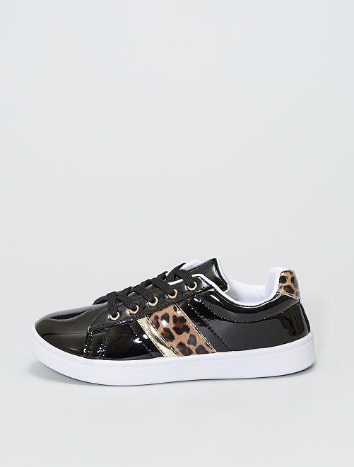 Zapatillas bajas con motivo felino                             negro