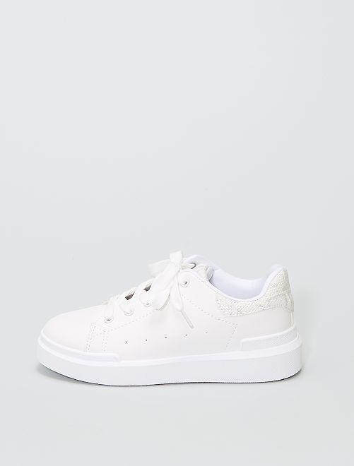 Zapatillas bajas con panel                                         blanco