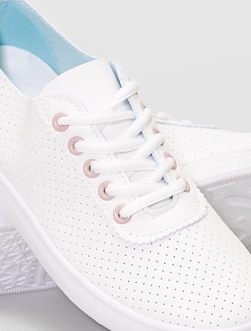 Zapatillas bajas ligeras perforadas                                         rosa